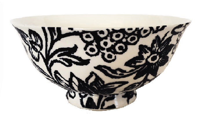 Fine bone china set of 4 bowls in black and white