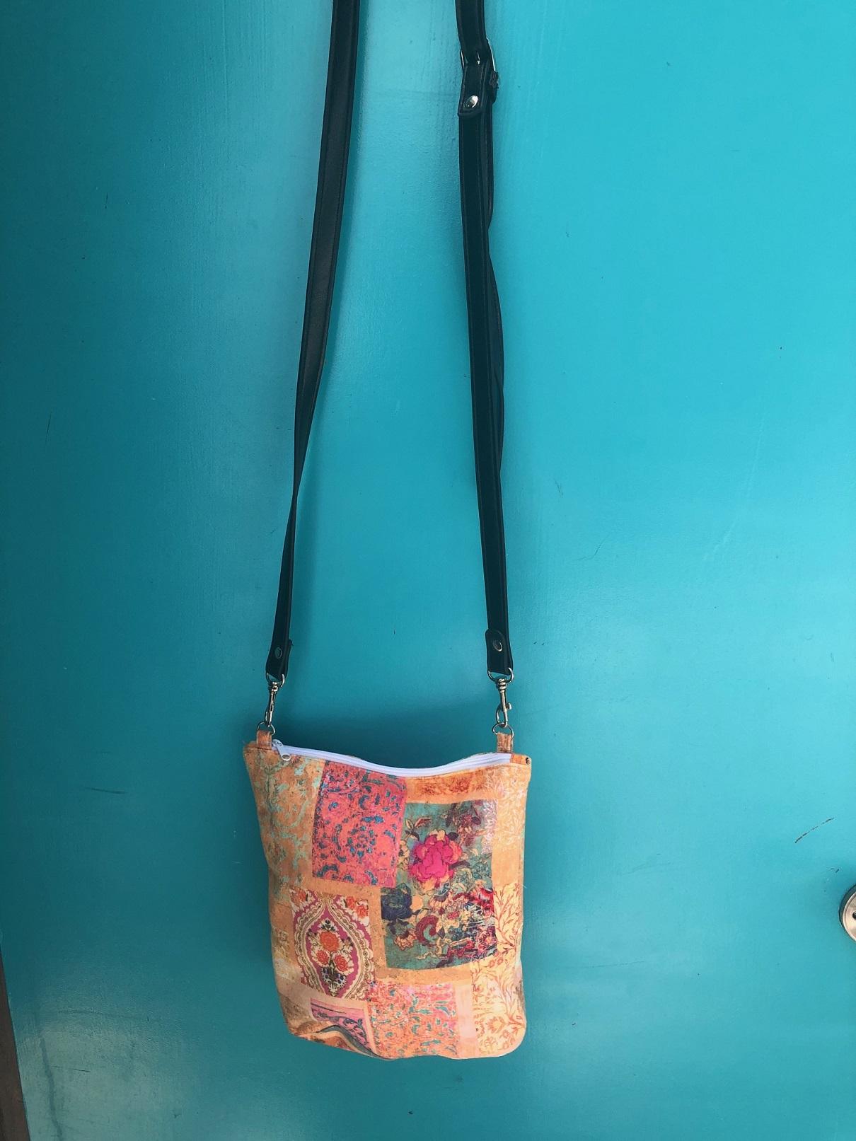Leather Handle Velvet Bag in Venezia Gold design