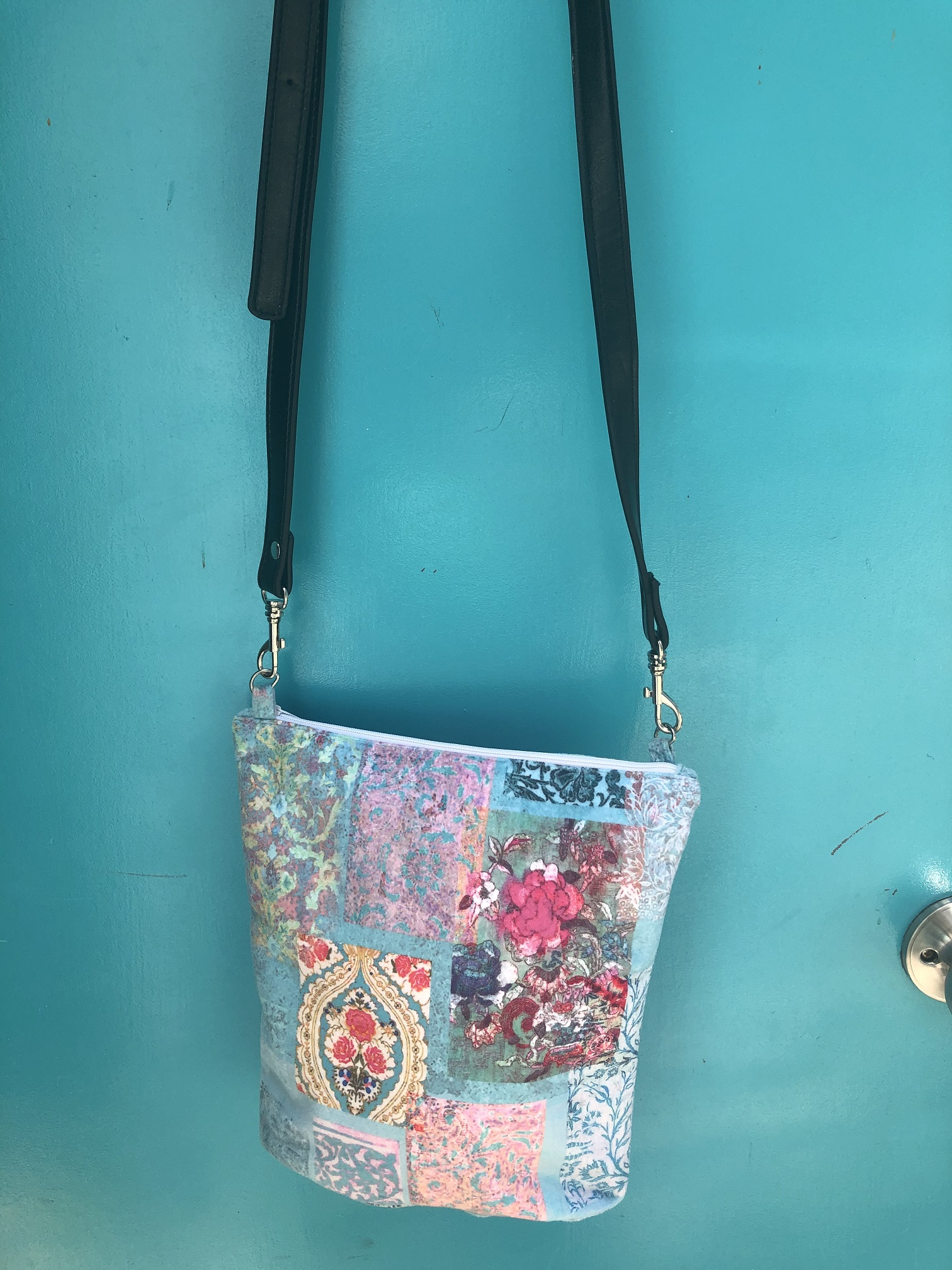 Velvet Bag in Venezia Turquoise