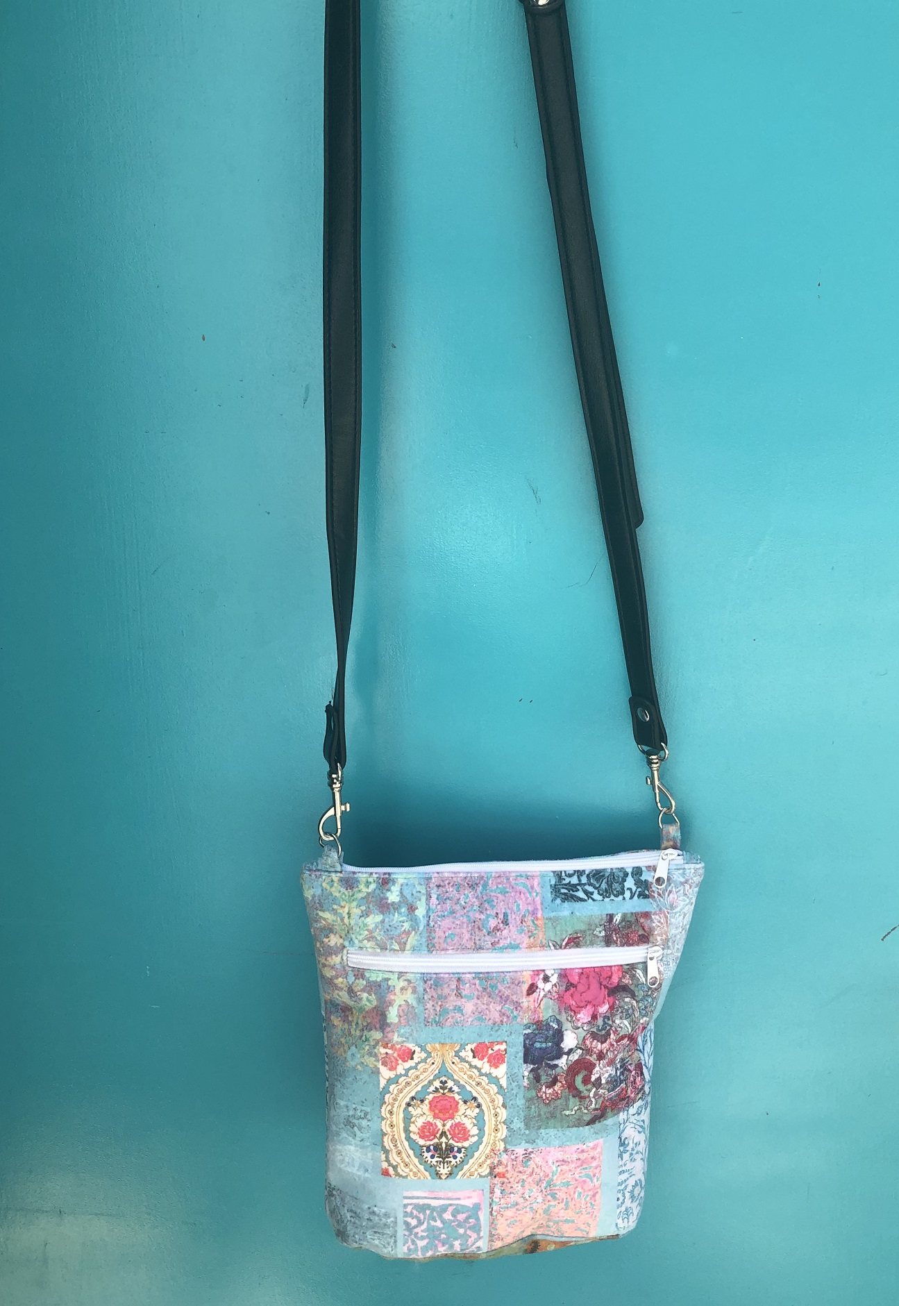 Leather Handle velvet Bag in Turquoise