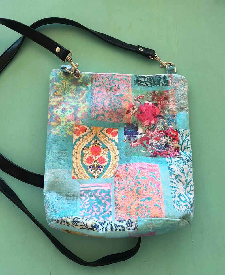 Velvet Bag Venezia Turquoise with Leather handle