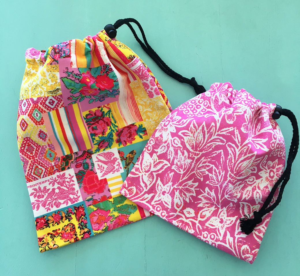 Drawstring bags set of two in Spring Colours