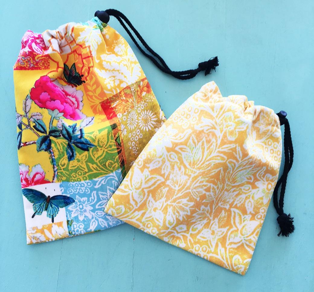 Set of 2 drawstring bags saffron yellow